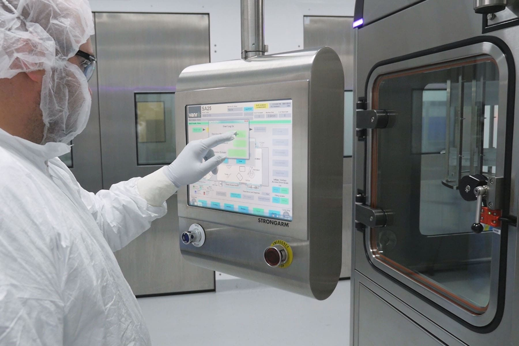 An operator uses the HMI controls on the SA25 at FUJIFILM Diosynth Biotechnologies.
