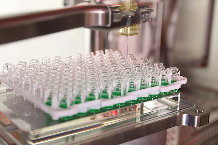 Aseptic vial filling for gene therapies, mRNA and personalized cancer vaccines with the turnkey Microcell POD facility.