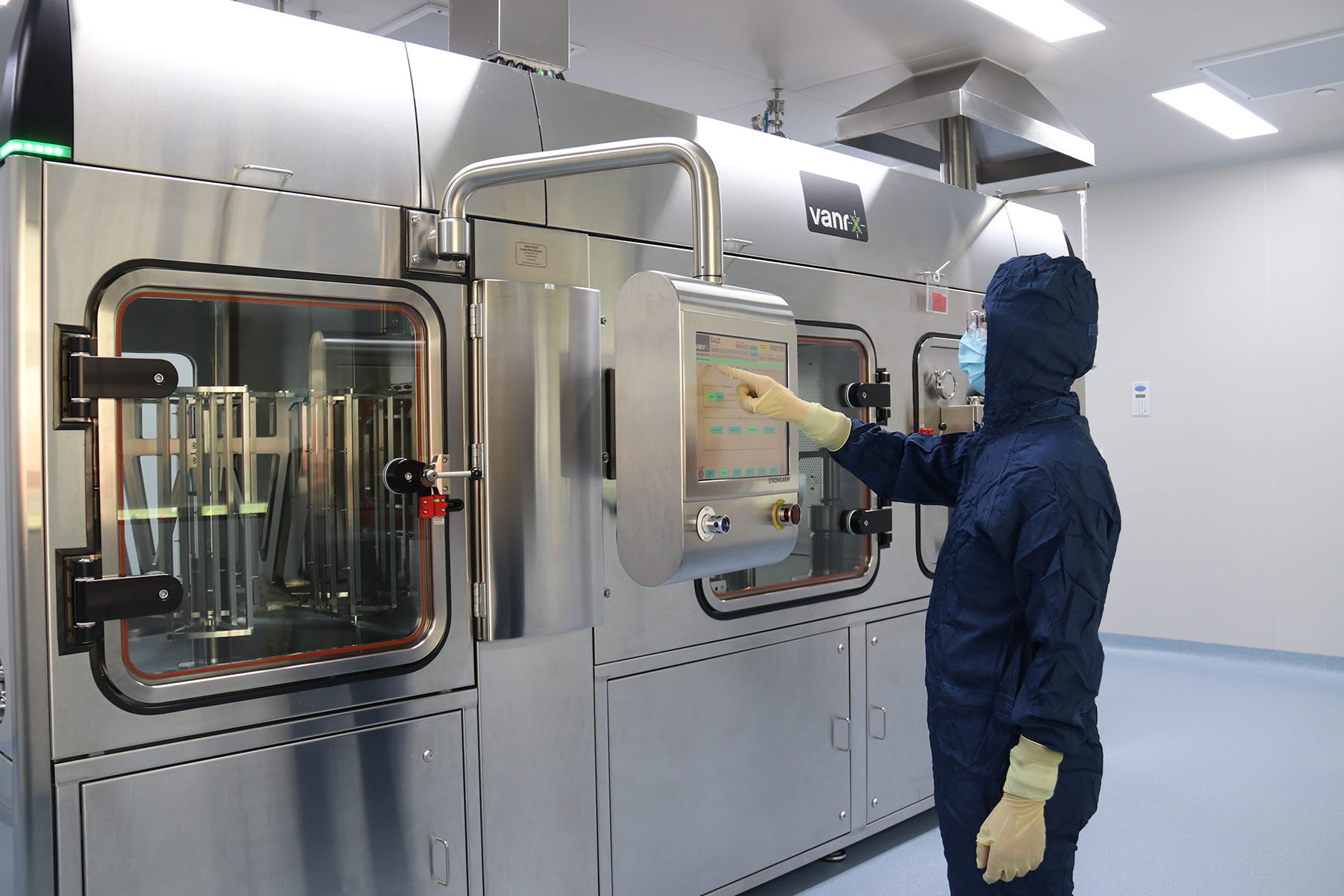Vanrx SA25 Aseptic Filling Workcell installed in WuXi Biologics' DP4 facility.